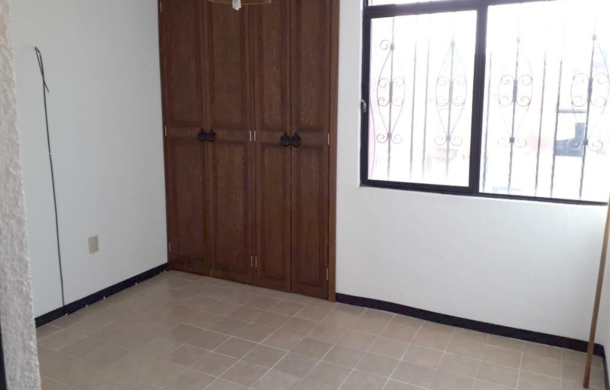 9 of 10: Recamara 1 con closet