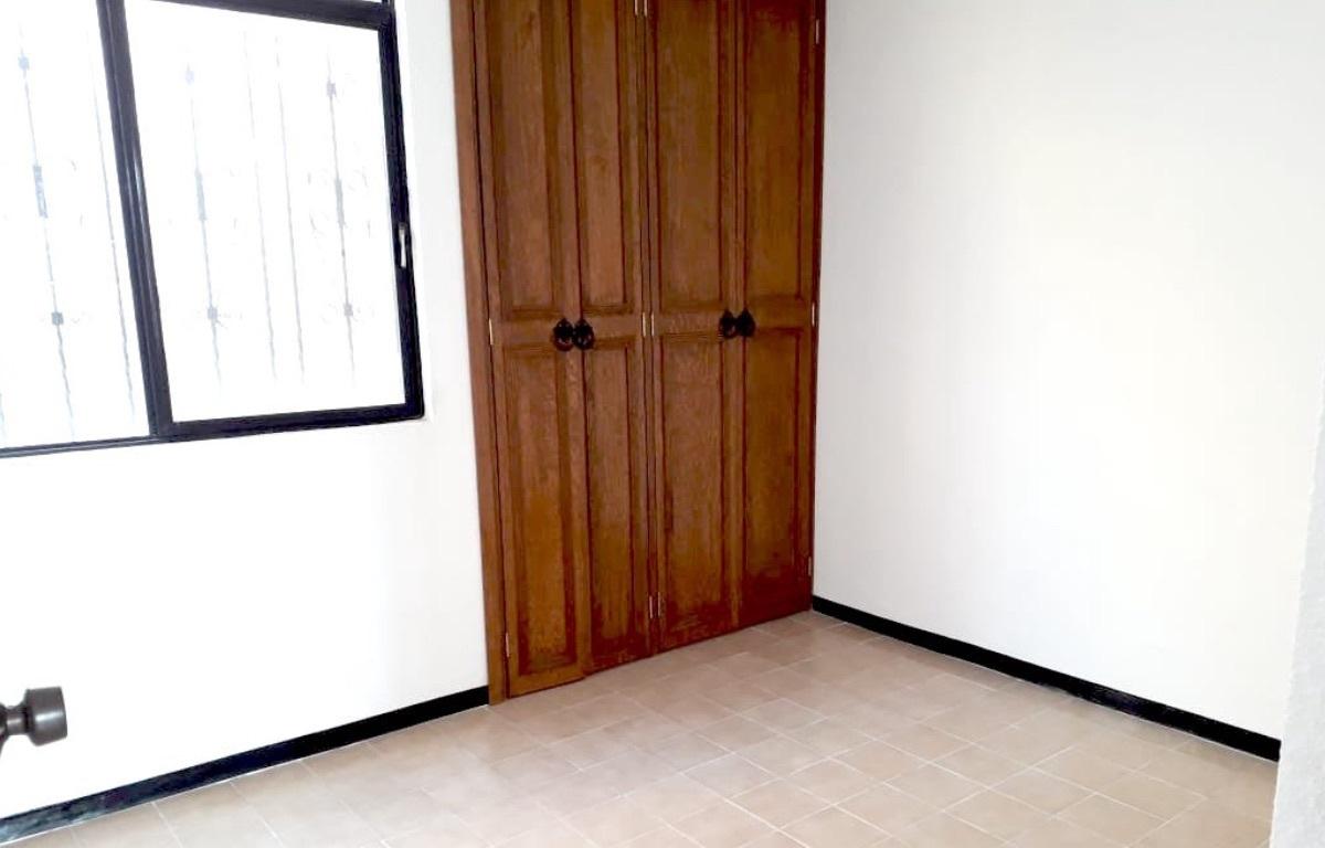 10 of 10: Recamara 2 con closet