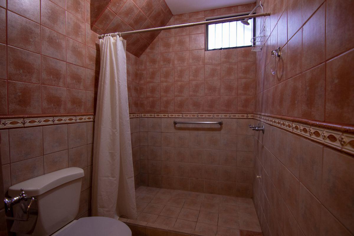 8 of 25: 1st Apartment Bathroom