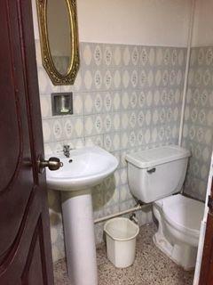 3 de 5: un baño
