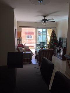 7 de 8: Sala y comedor separados, espacios ventilados e iluminados.