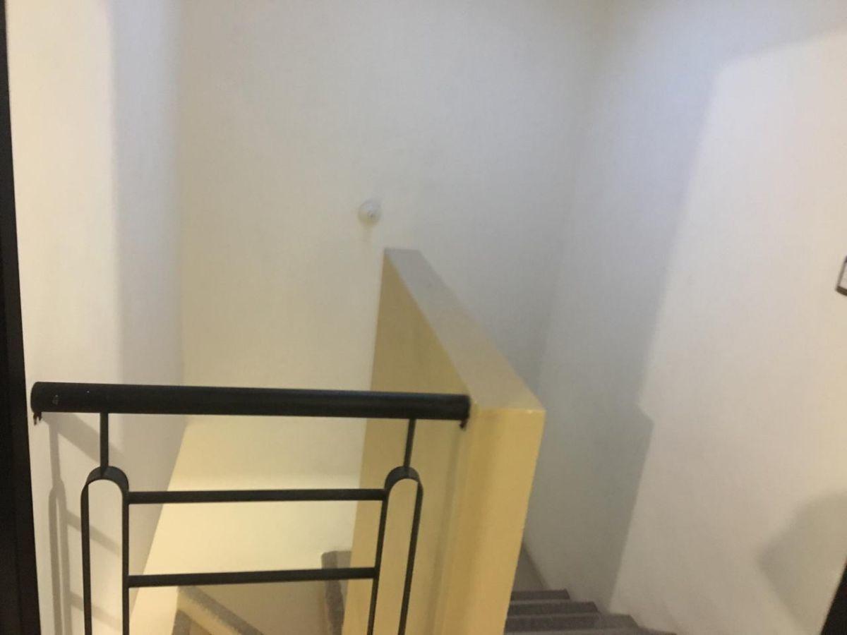 11 de 27: Escaleras