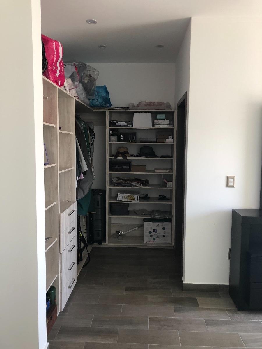 31 de 34: closets