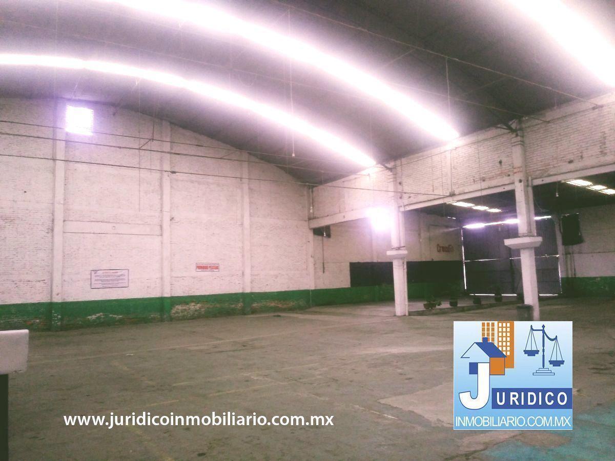 18 de 21: Área techada 1260 m2