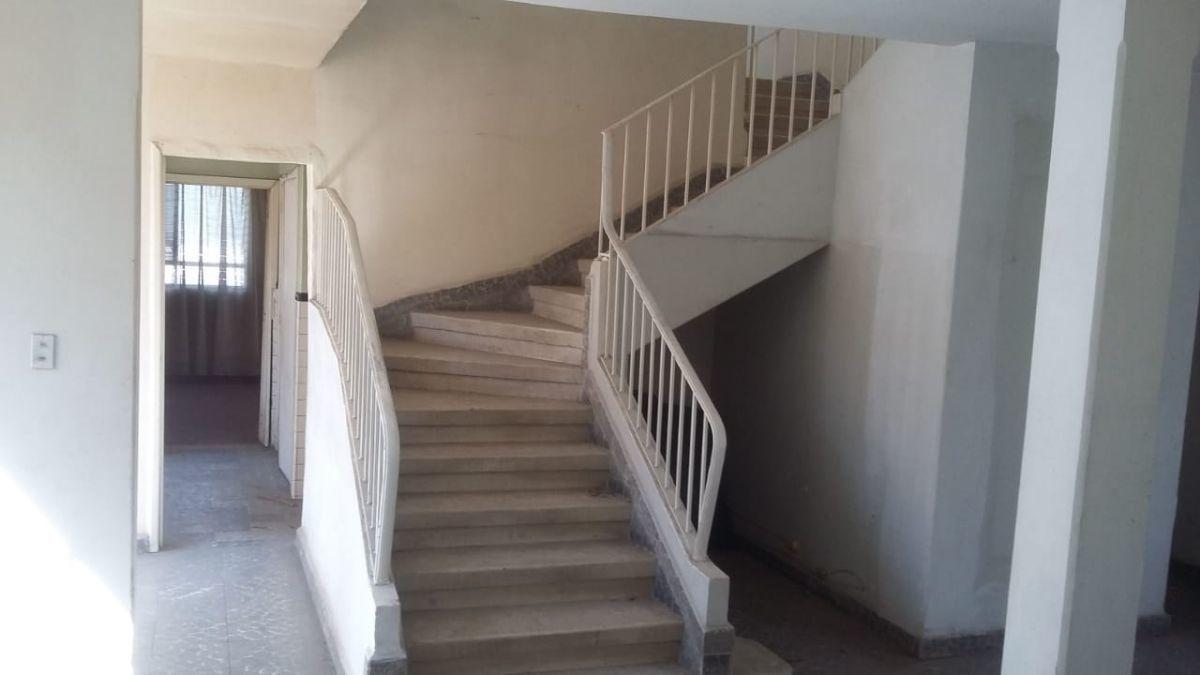10 de 14: Escaleras amplias.