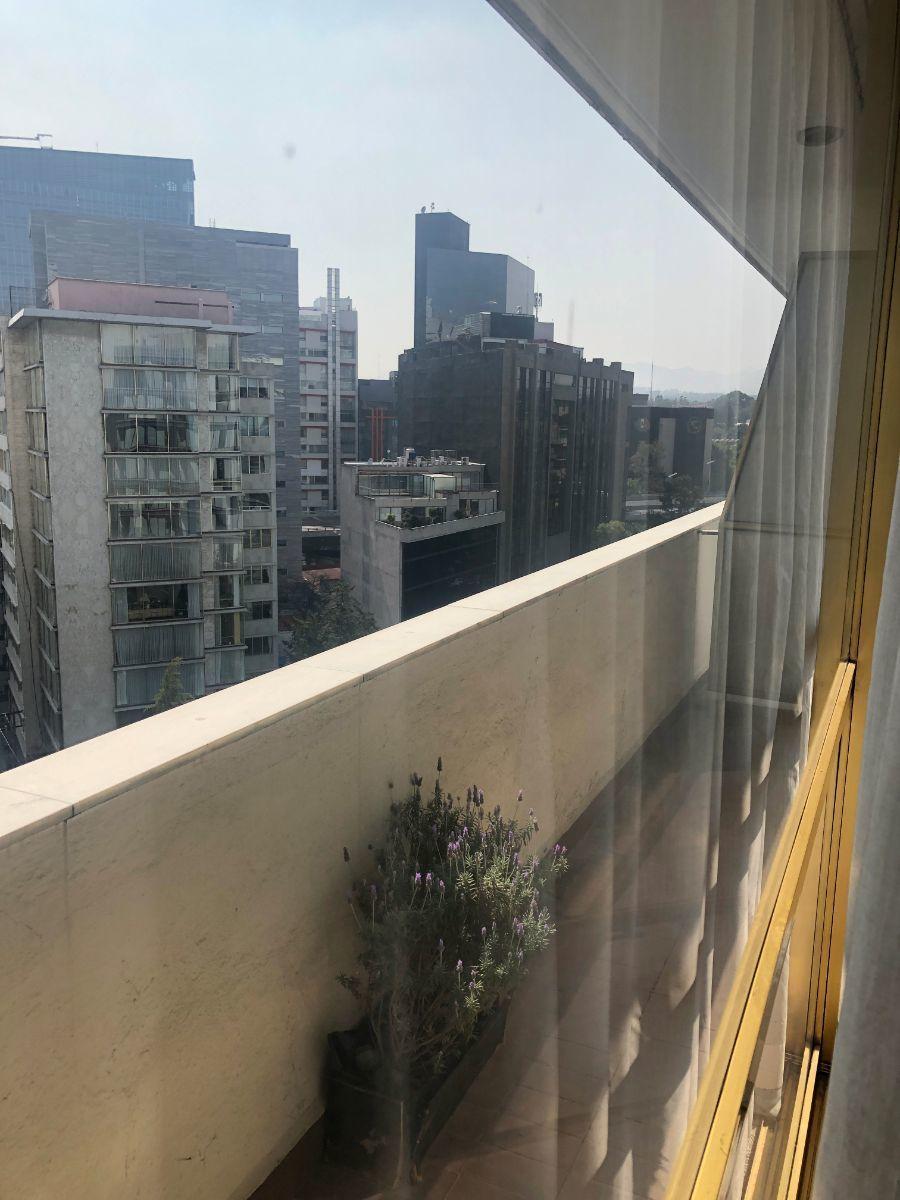 1 de 17: Balcón