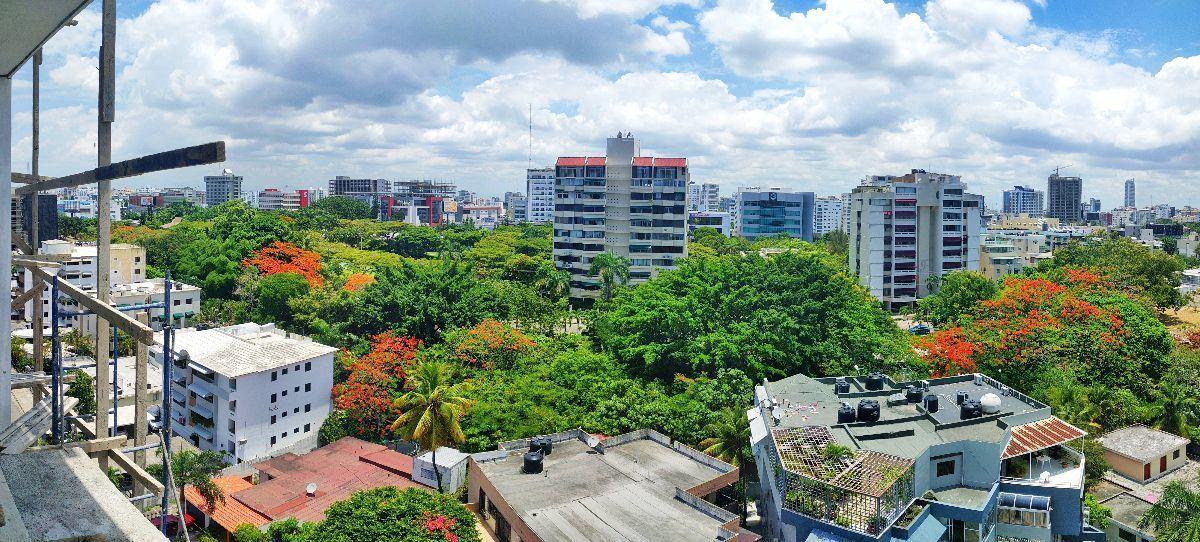 2 de 16: Agradable y refrescante vista desde el balcon y sala.