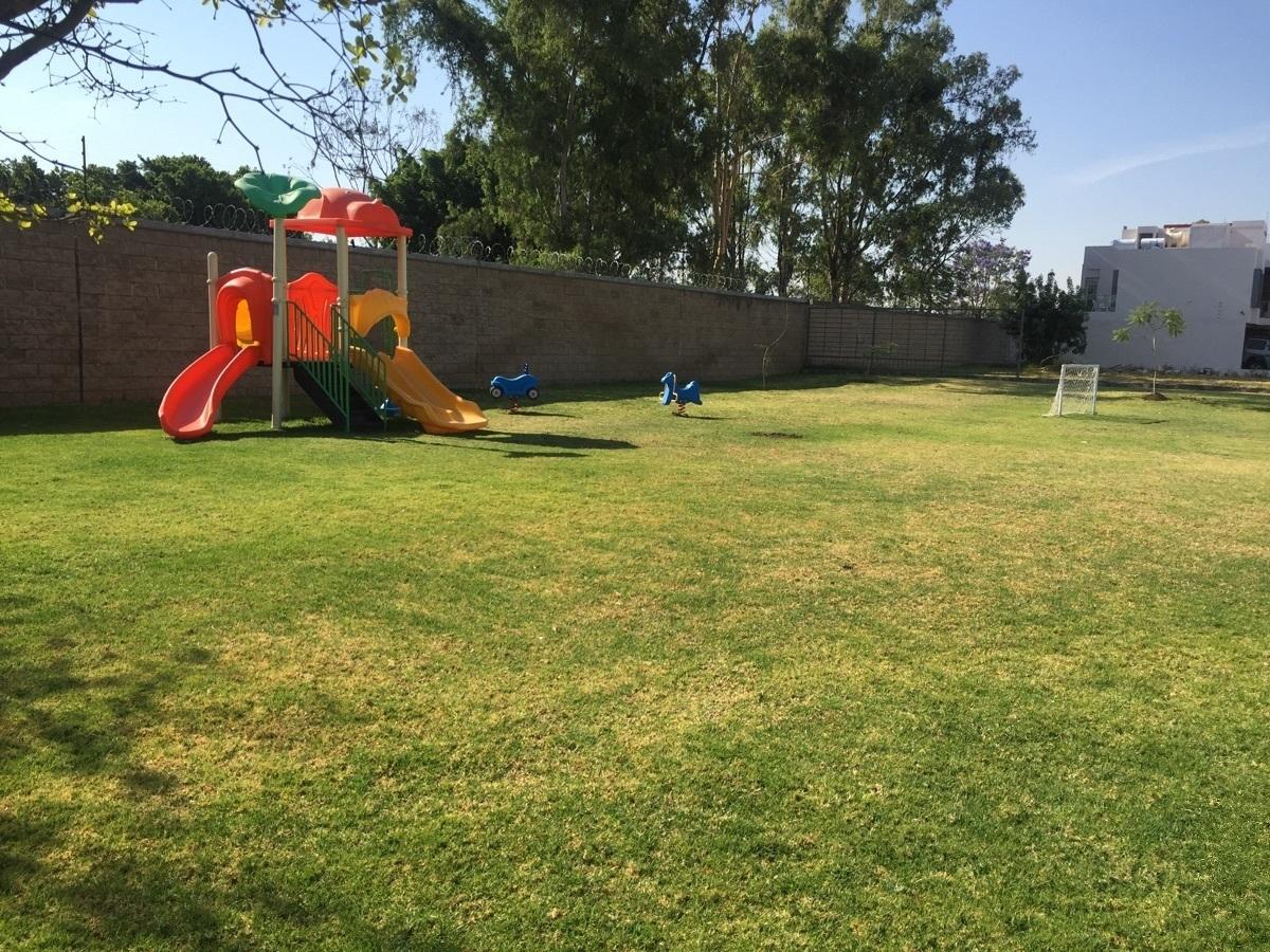 26 de 29: jardìnes y juegos infantiles en àreas comunes