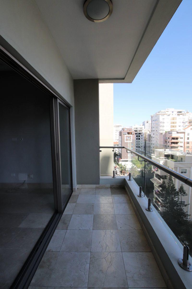 13 de 25: balcon