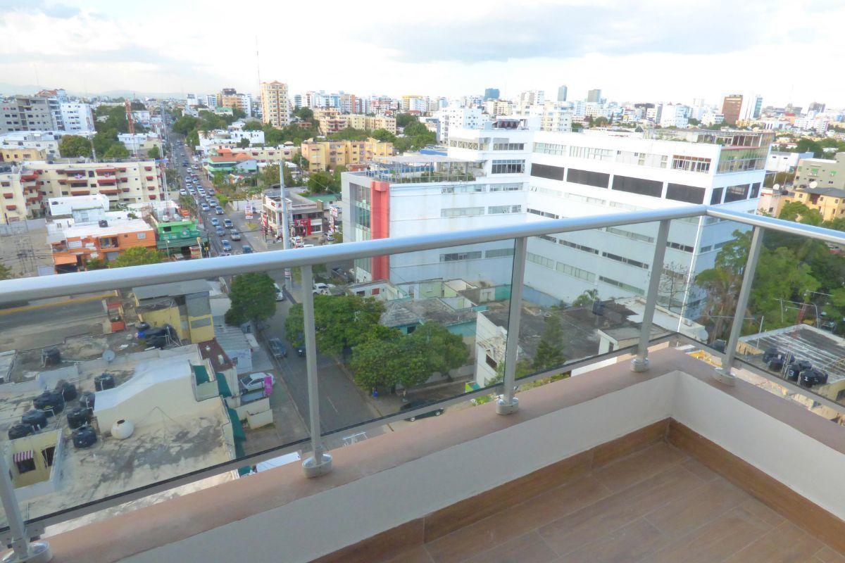 4 de 16: balcón de la habitación principal