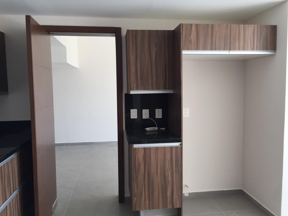 10 de 40: Cocina y espacio del refrigerardor