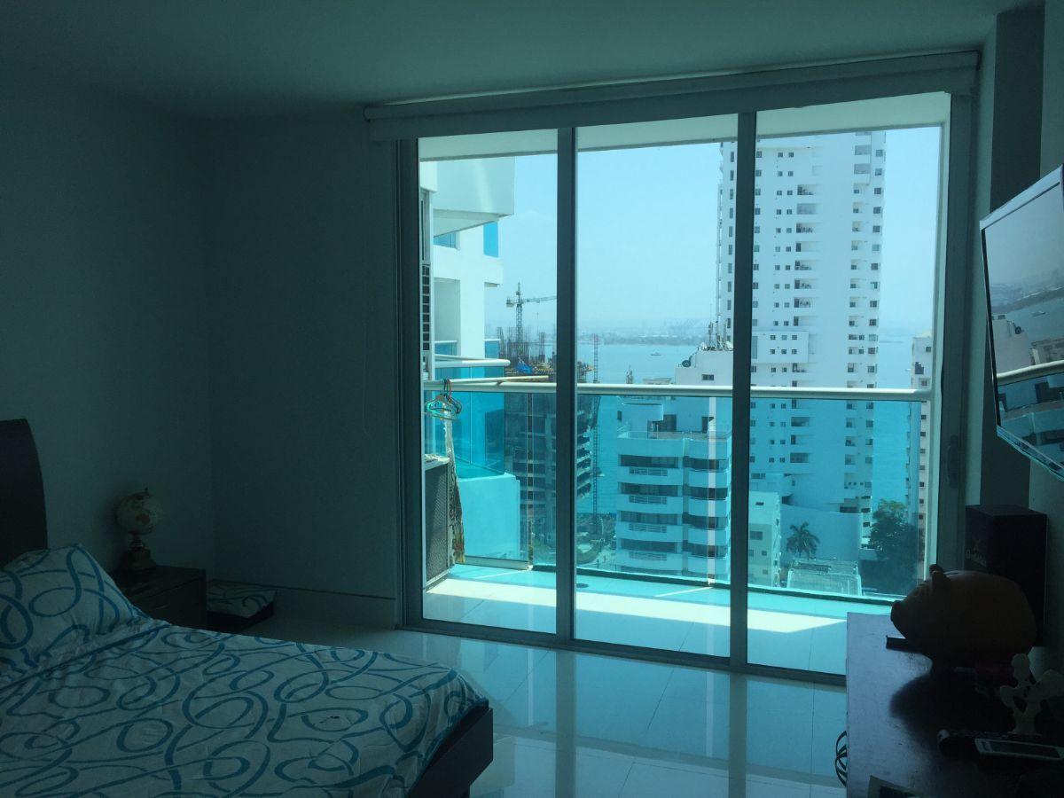 9 de 15: Habitación Principal con Balcón, Baño y Vestier