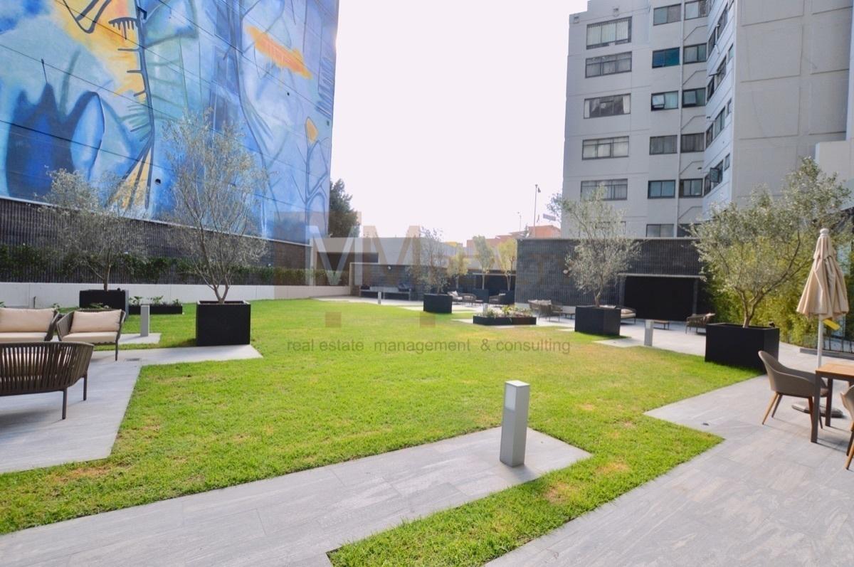 6 de 35: terraza común y áreas verdes