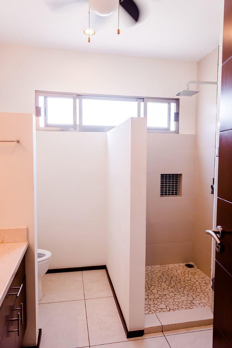 25 of 32: bathroom