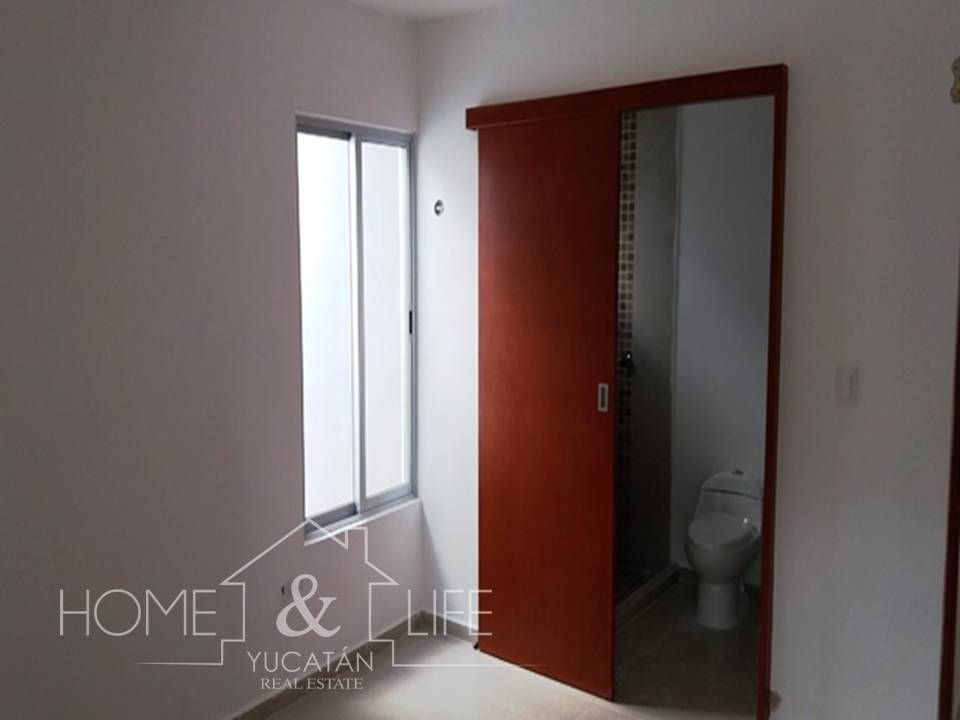 12 de 16: puerta corrediza baño
