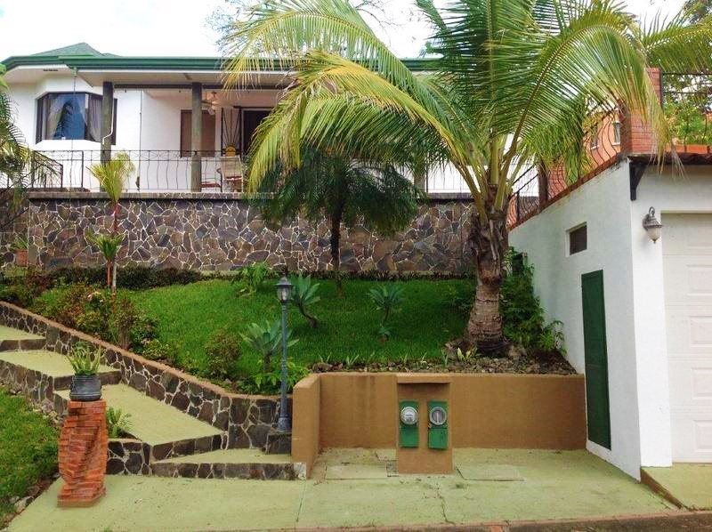 2 de 31: Ideally located in Isabella Community next to Pacifico