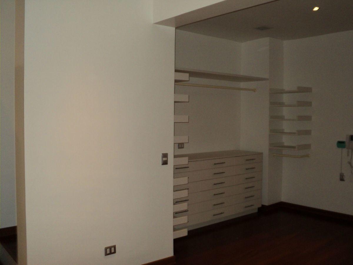 15 de 24: Walking Closet