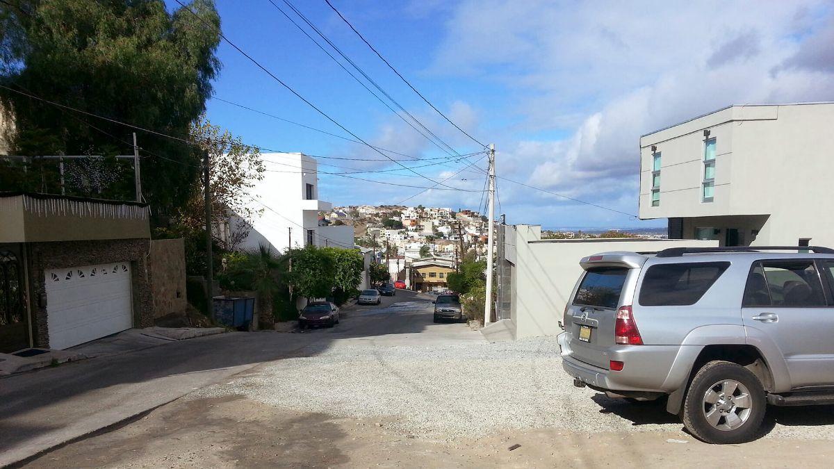 11 de 17: Terrenos en Venta en Avenida de Las Ferias PMR-413