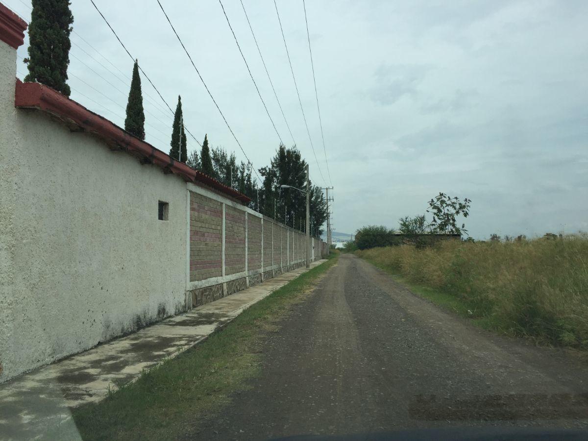 10 de 12: Calle de acceso