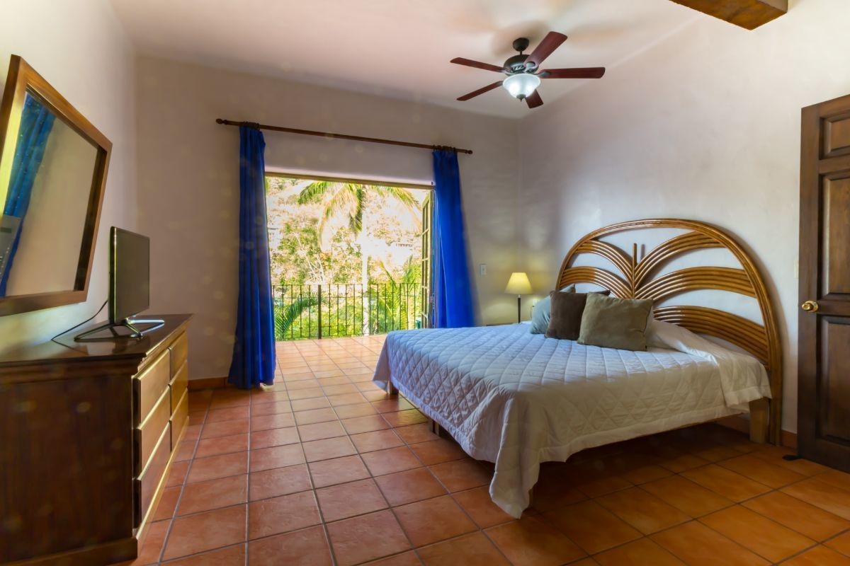 15 de 32: bedroom with access to the terrace