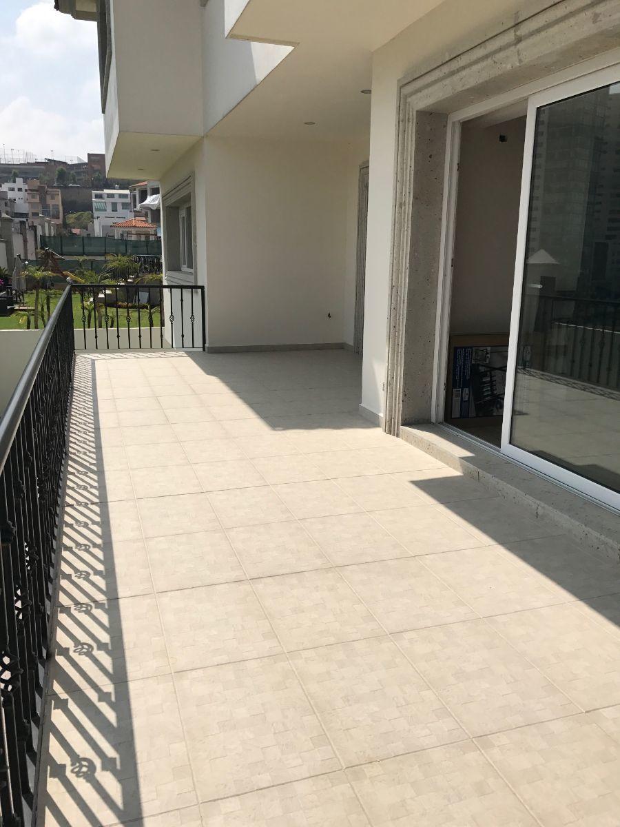 13 de 48: terraza en la parte de arriba