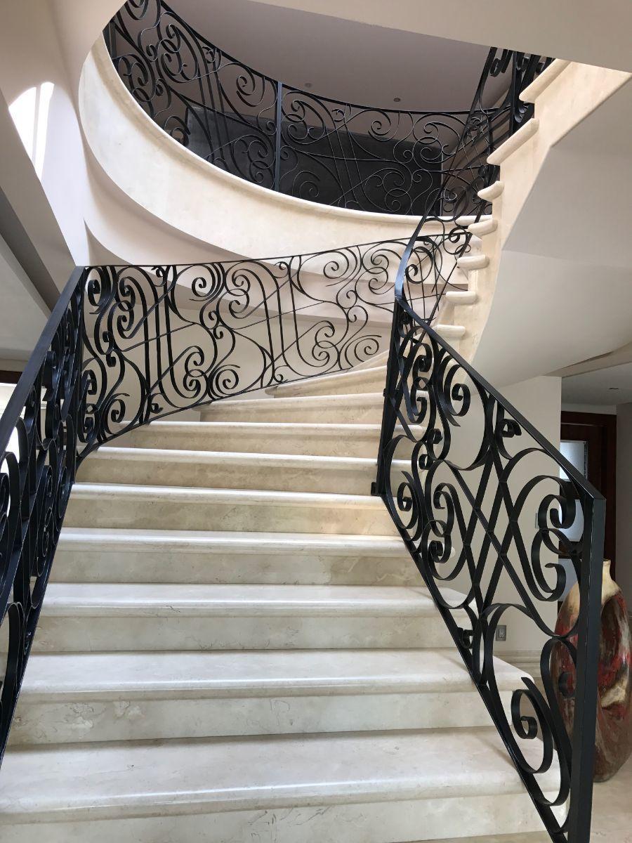 15 de 48: elegante escalera