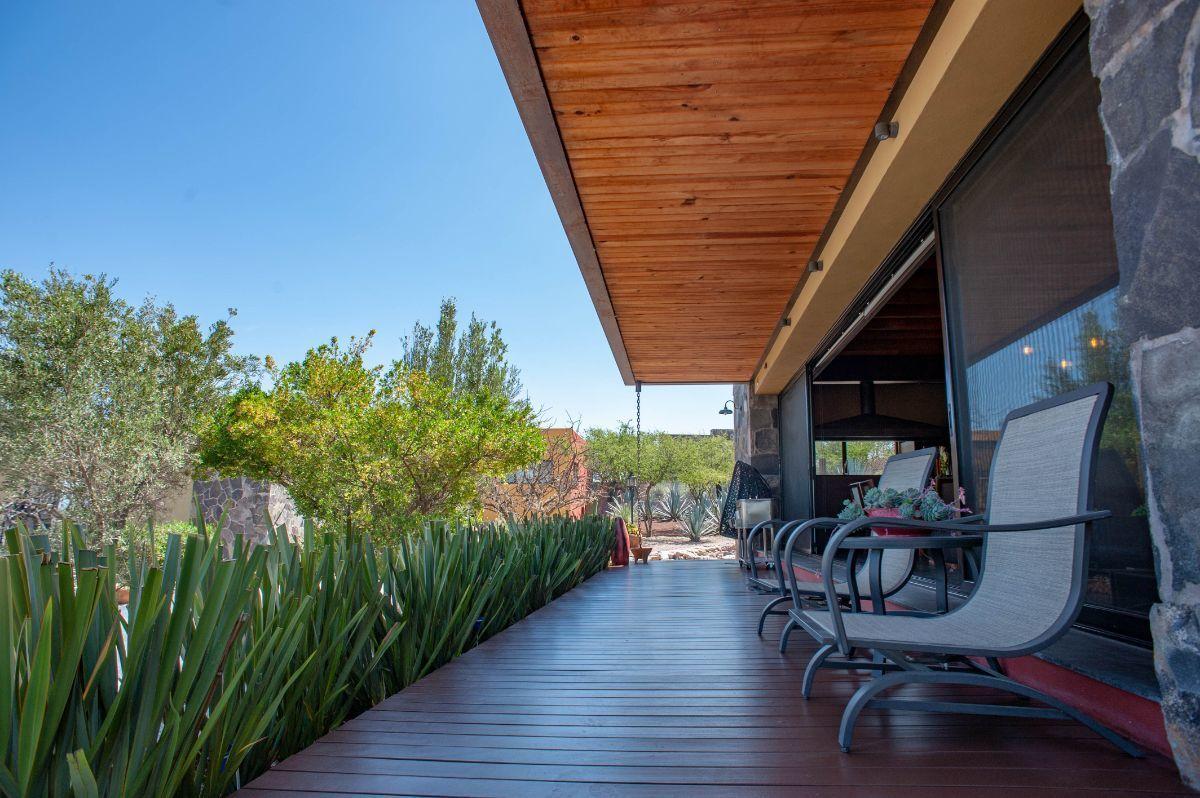 6 of 30: Terraza exterior con vistas panorámicas
