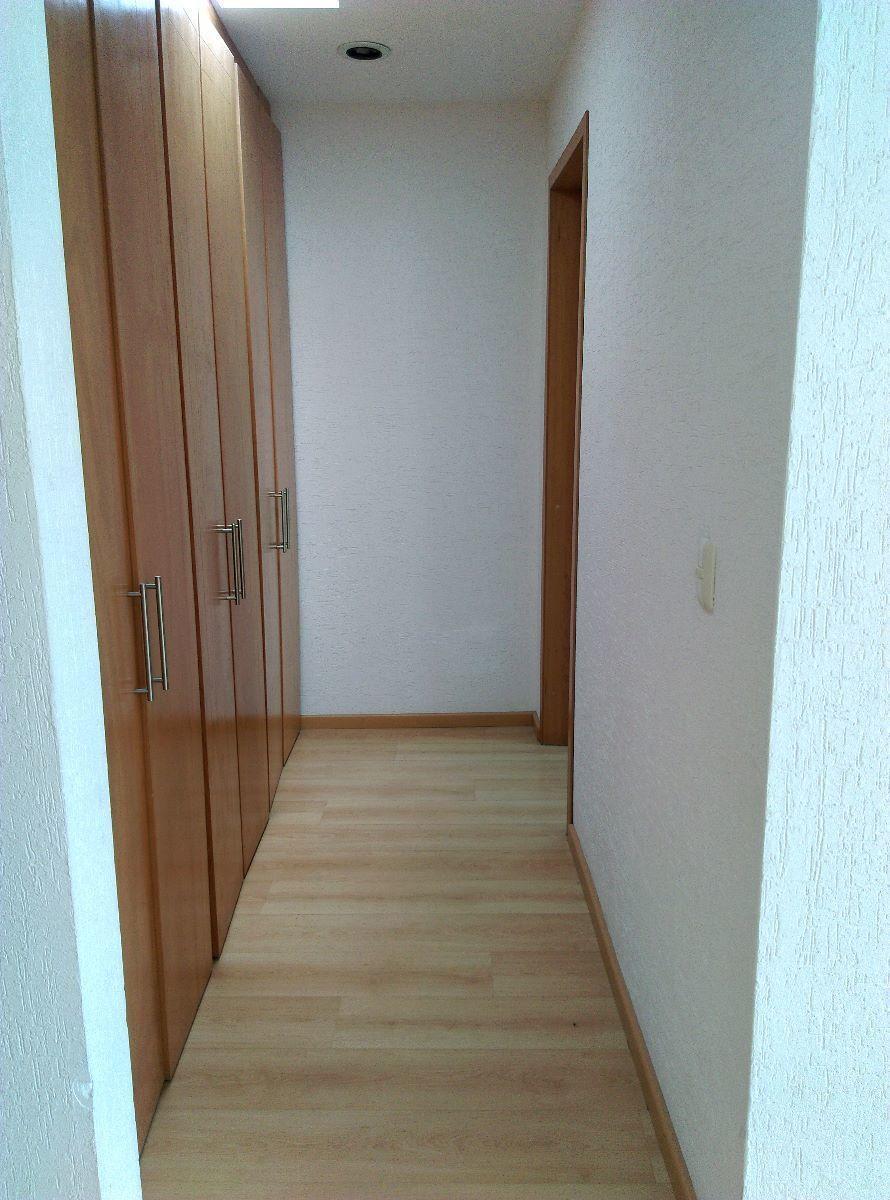 15 de 16: Closet habitación principal