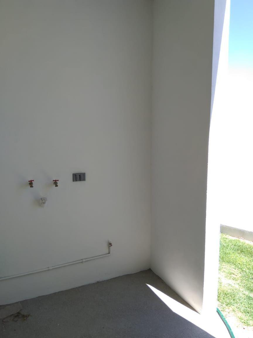 9 de 20: Patio de servicio techado