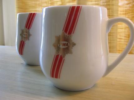 twa mugs