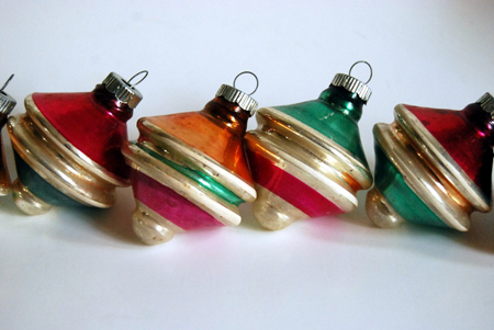 vintage shiny brite spinning top ornaments from callooh callay