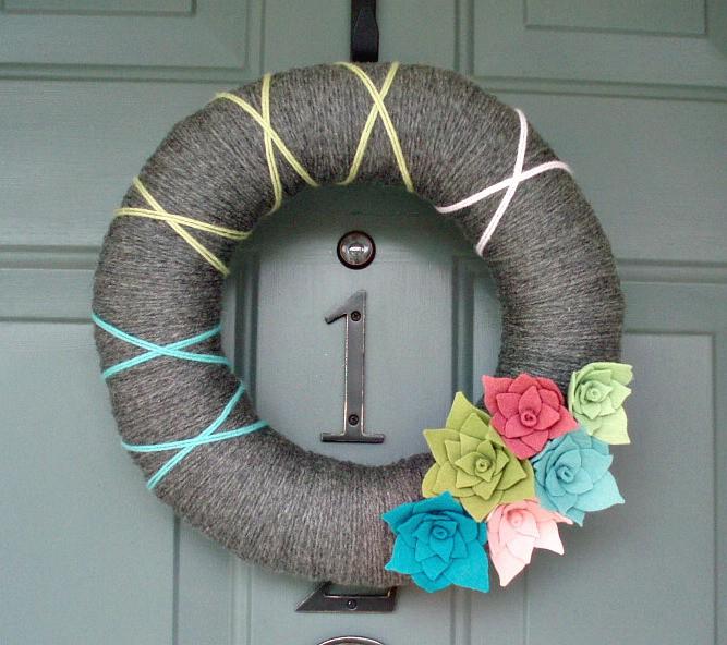 share it - Decorative Wreaths