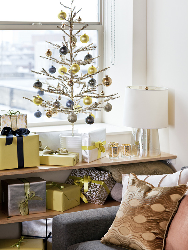 Modern Holiday Decorating Ideas Part - 19: Paper And Stitch