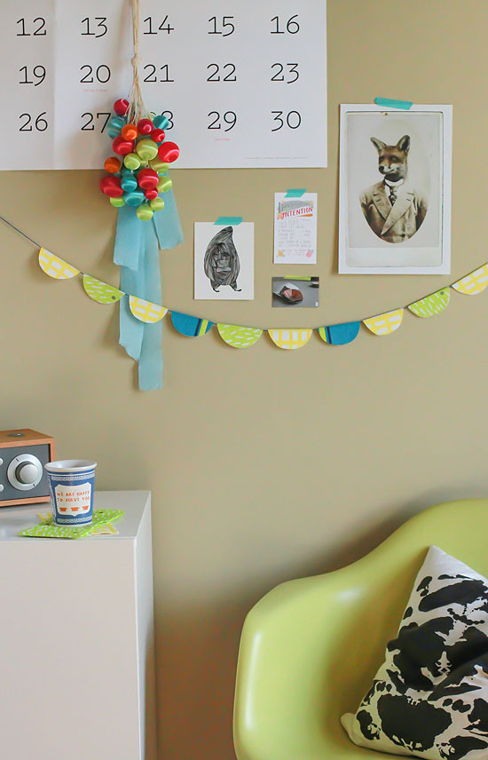 make a scallop garland with paper napkins for spring