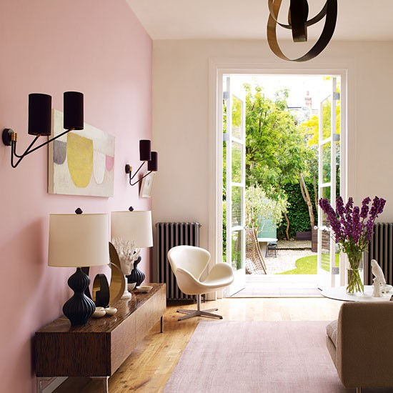 muted-pink-walls-in-living-room