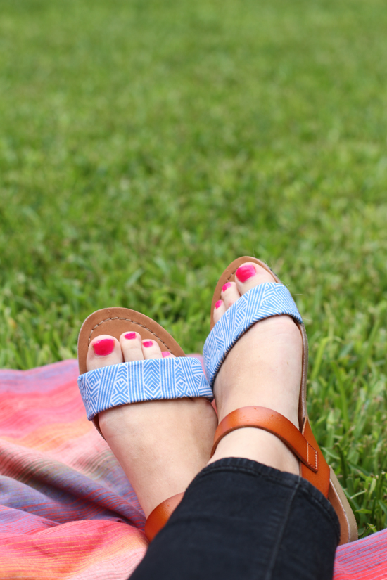 DIY // fabric sandal makeover project