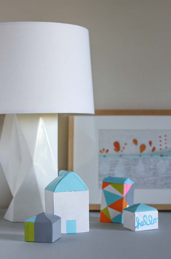 DIY // make plaster houses with milk cartons