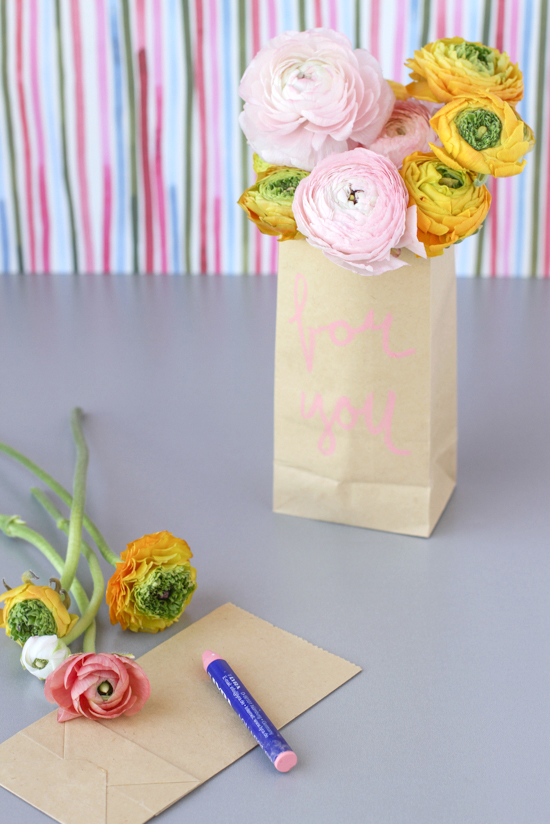 last minute DIY gift // paper flower sack