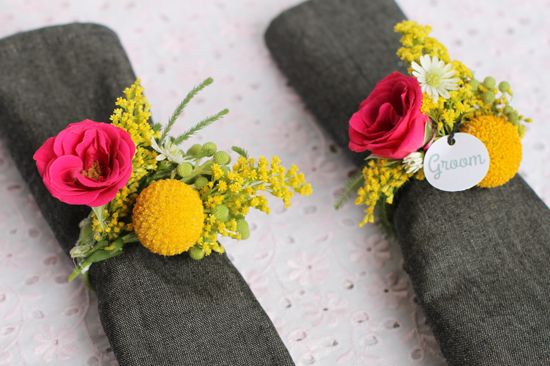 Make This: Fresh Flower Napkin Ring // Dinner Party DIY - Paper and Stitch