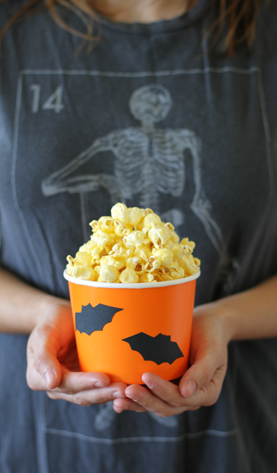 Halloween // batty DIY paper party tubs