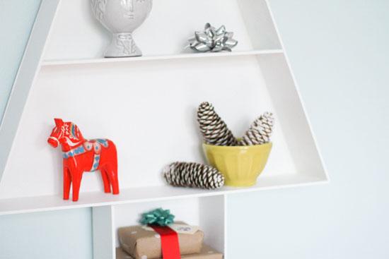 Christmas DIY // modern wood shelf from scratch