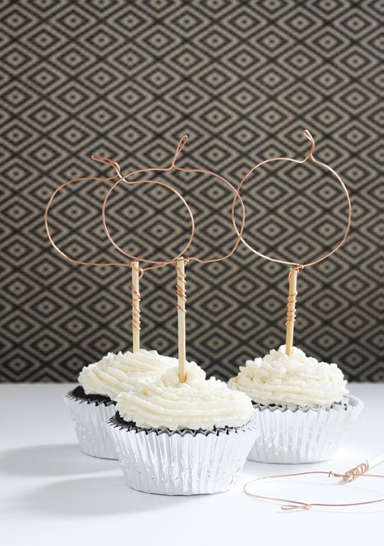 wire pumpkin cupcake toppers for thanksgiving