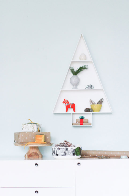 Holiday Wall Art Project // Wood Storage Shelf