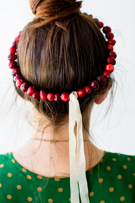 Holiday DIY // cranberry crown + wreath