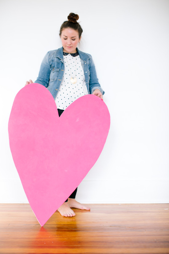DIY Giant Decorative Heart for V-Day