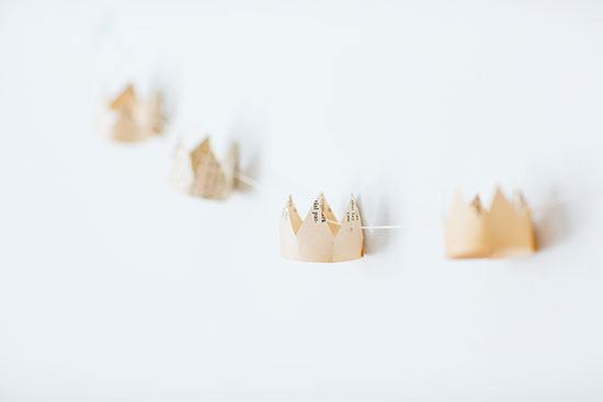 paper crown garland for baby shower