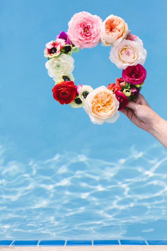 DIY to Try // Floating Flower Wreath