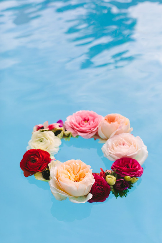 How to make a floating flower wreath