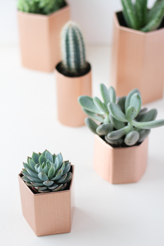 5 Minute Faux Metal Planter DIY