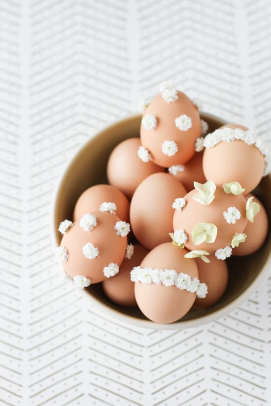 DIY // Baby's Breath Easter Egg